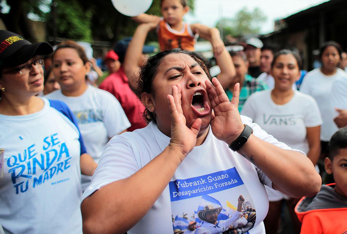 13 jóvenes acusados de terrorismo tras intentar entregar agua a unas madres en huelga de hambre
