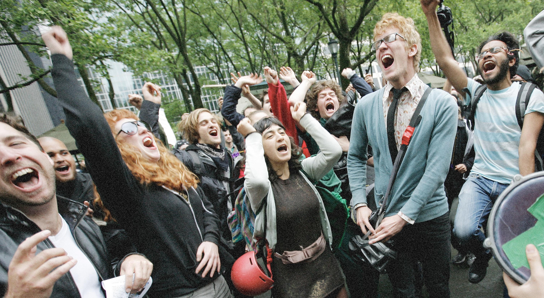 Los jóvenes activistas climáticos cambian sus tácticas a medida que se propaga el virus