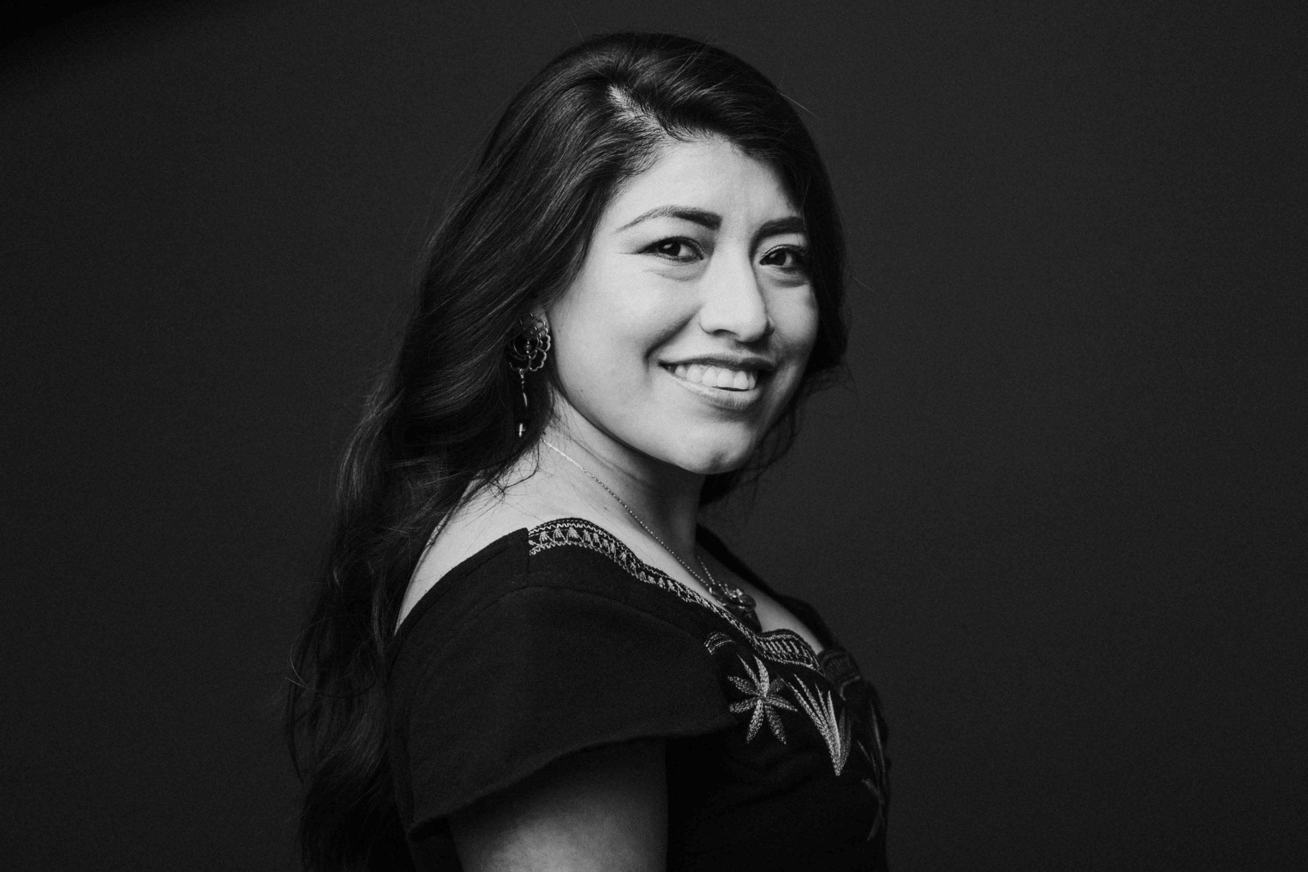María Reyna, una soprano mixe y miembro de un gobierno indígena