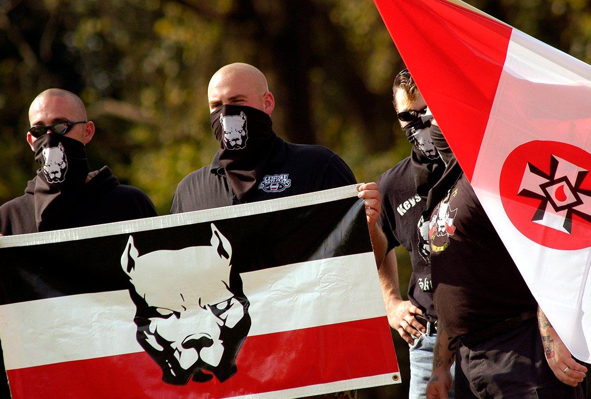 Neonazis 'aceleracionistas' están intentando usar el coronavirus como arma biológica contra judíos y policías