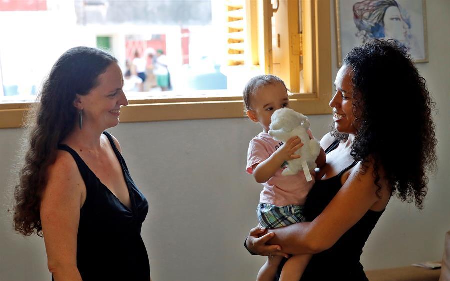 Paulo es el primer cubano registrado oficialmente como hijo de dos madres