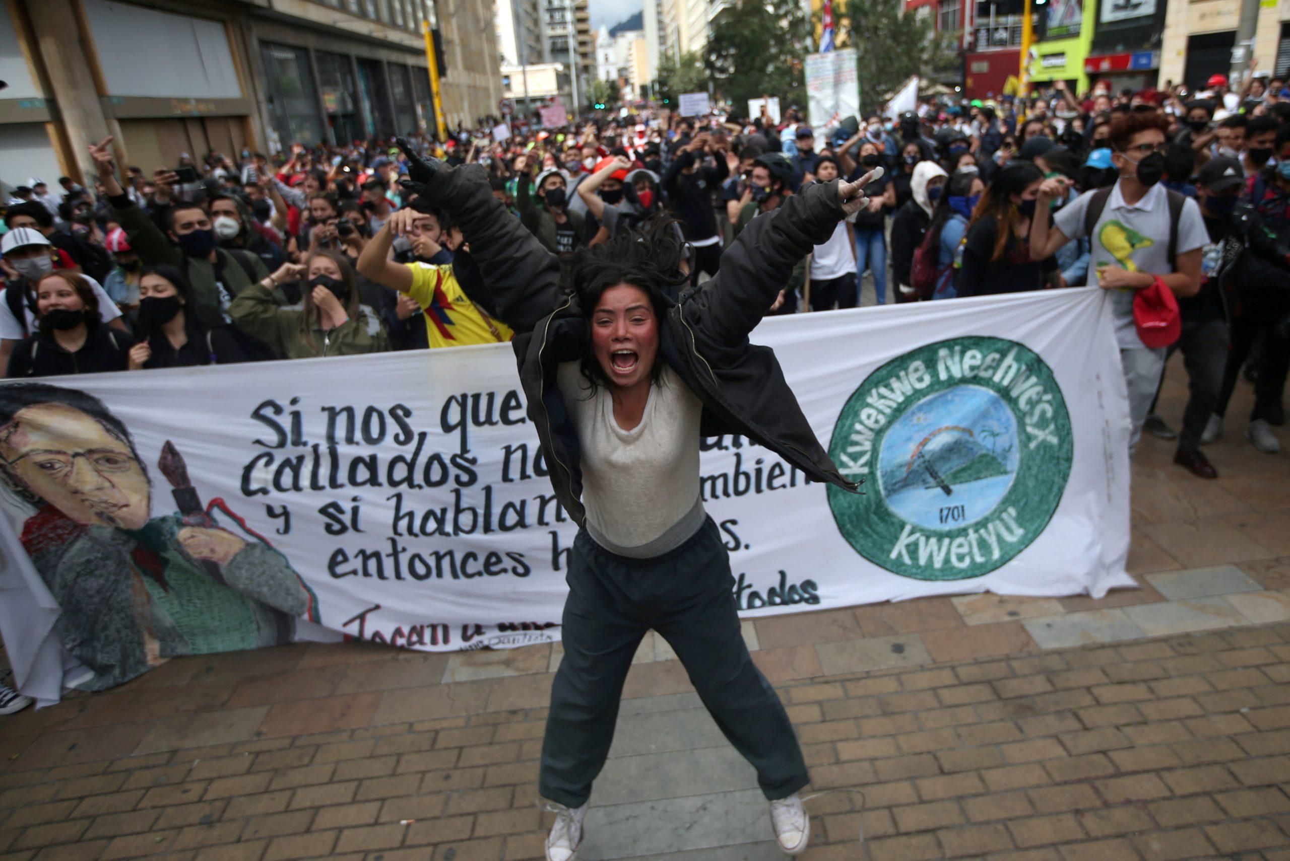 Un militar asesinó a una mujer y desató indignación en Colombia