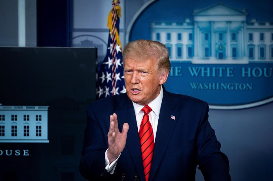 Trump alienta un fraude electoral al pedir que los estadounidenses voten dos veces