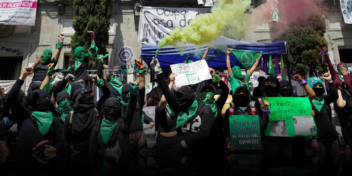 Miles de mujeres latinoamericanas protestan para exigir aborto legal y seguro