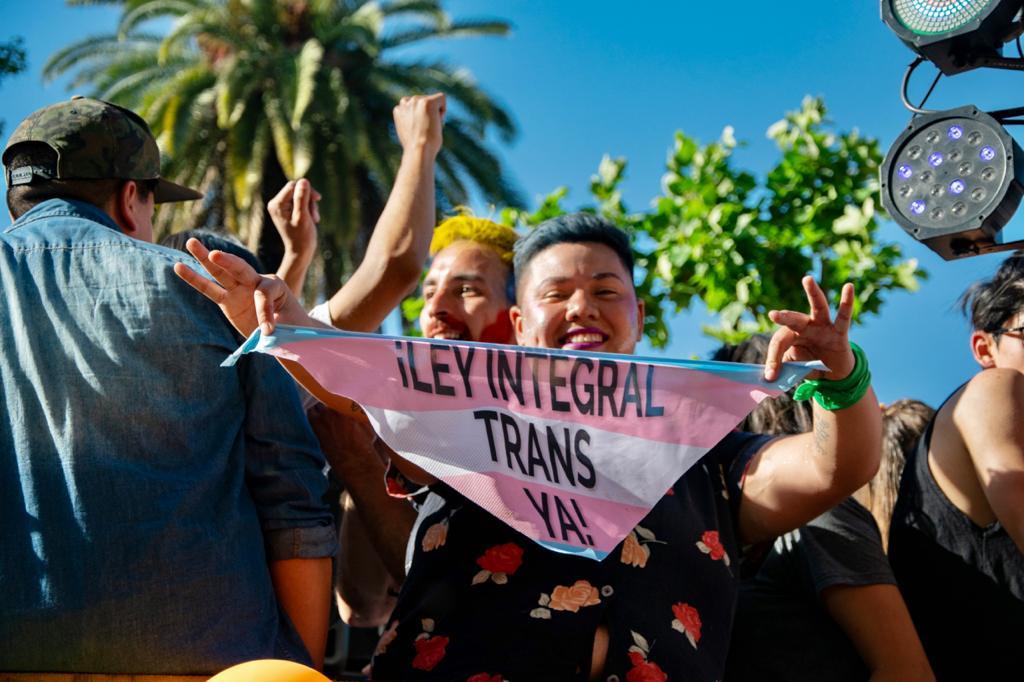 El gobierno de Argentina destinará 1% de sus plazas laborales a personas trans y travestis