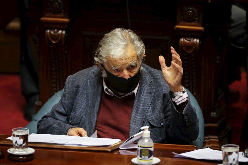 pepe-mujica-deja-su-banca-en-el-senado-de-uruguay
