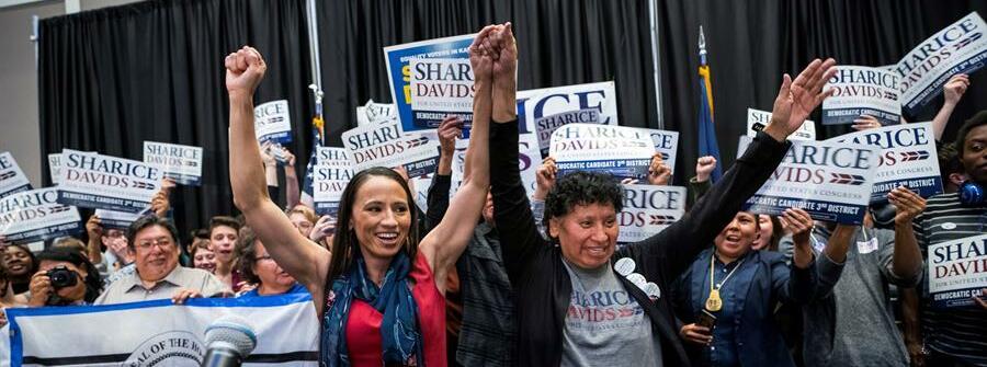 Una buena: récord de mujeres nativas elegidas para el congreso de Estados Unidos 👏