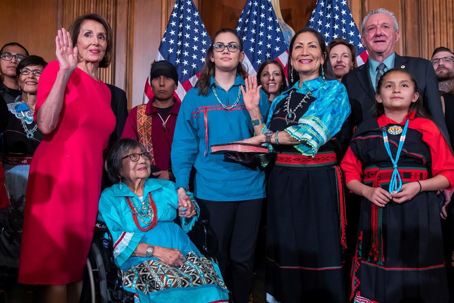 Deb Haaland Congreso EEUU Mujeres Nativas