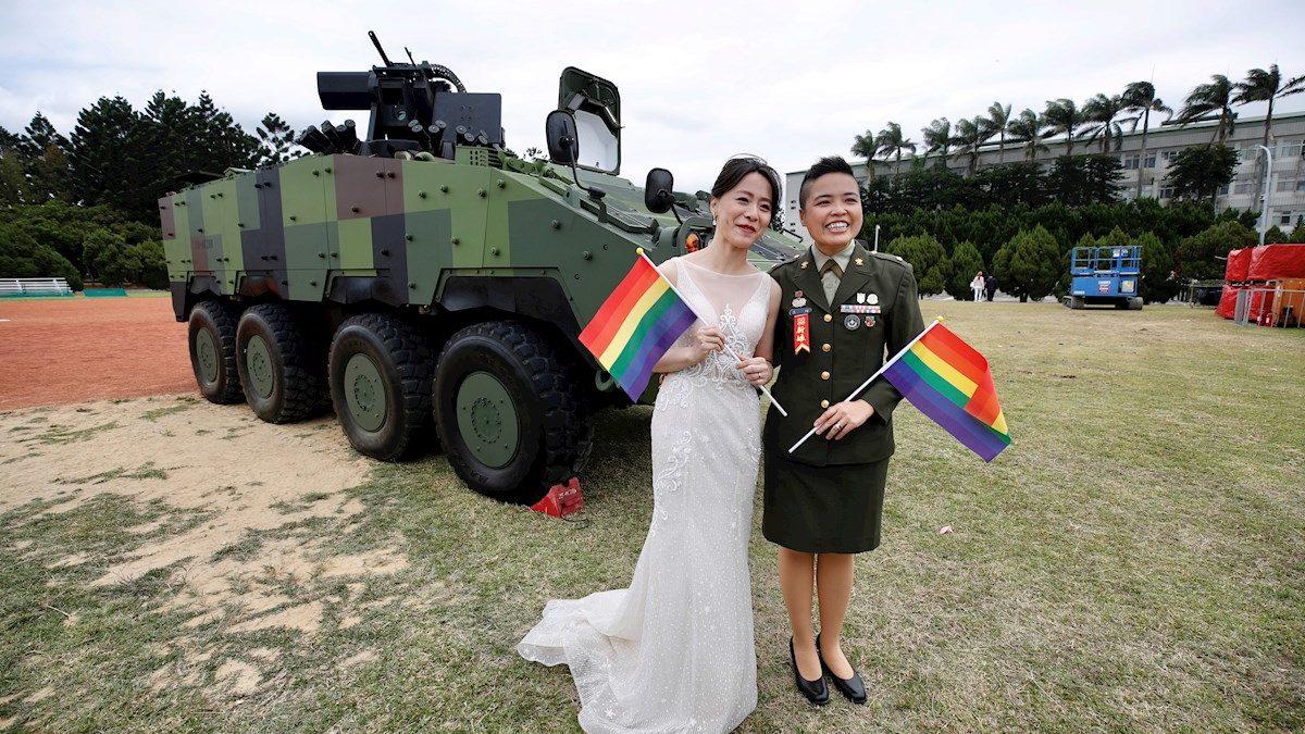 El ejército de Taiwán celebra una boda gay por primera vez 🌈