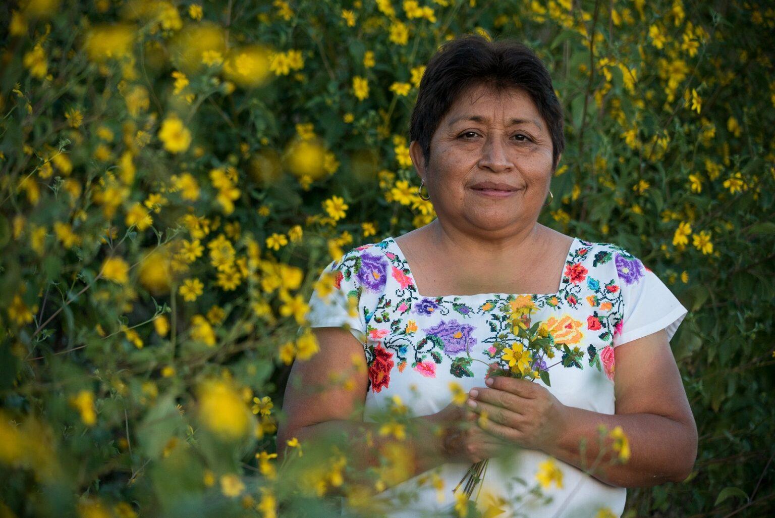 Leydy Pech, defensora maya de las abejas, ganó el premio medioambiental Goldman
