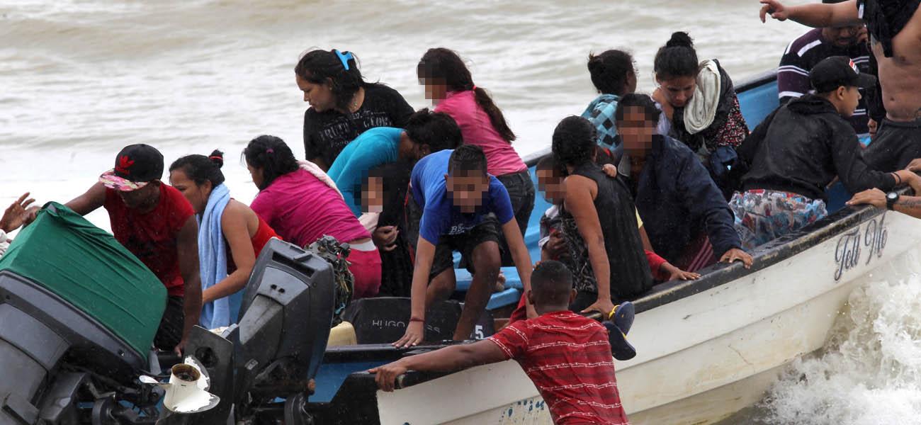 La frágil situación de 16 niños migrantes venezolanos expulsados de Trinidad