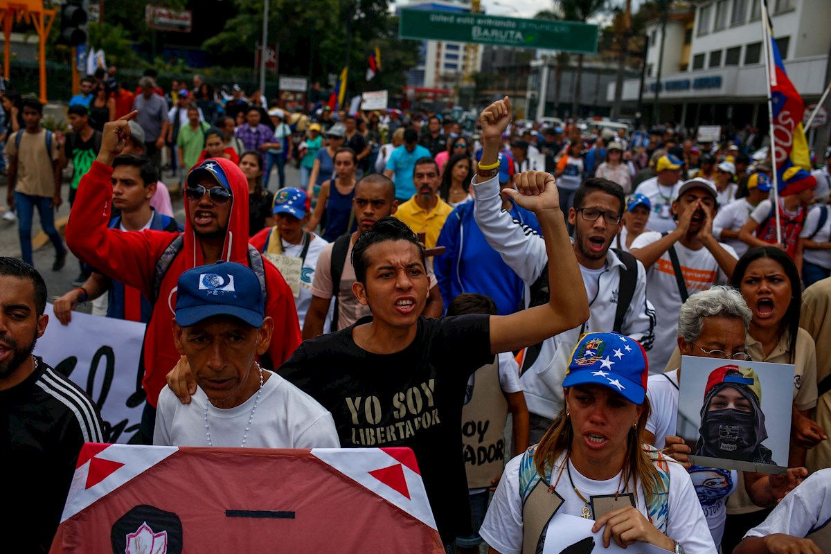 Venezuela llega a sus elecciones entre denuncias de fraude y crisis humanitaria