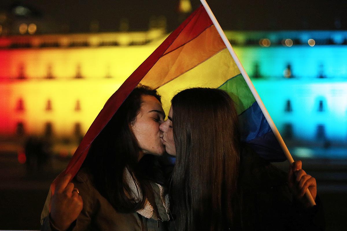 Victoria LGBT+ 🌈: una aseguradora es obligada a pagar el tratamiento de fertilidad a una pareja lesbiana