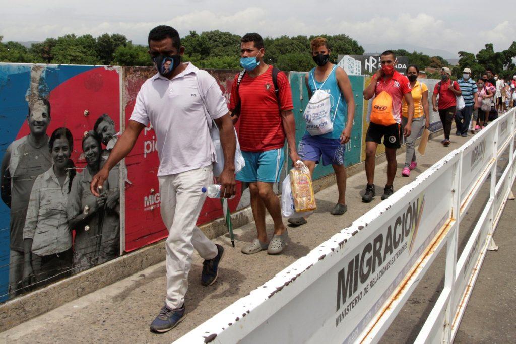 migrantes-venezolanos-regularizados-colombia-🙌