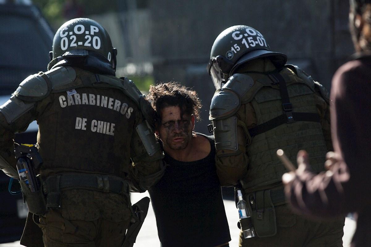 El asesinato de un artista callejero detonó nuevas protestas en Chile