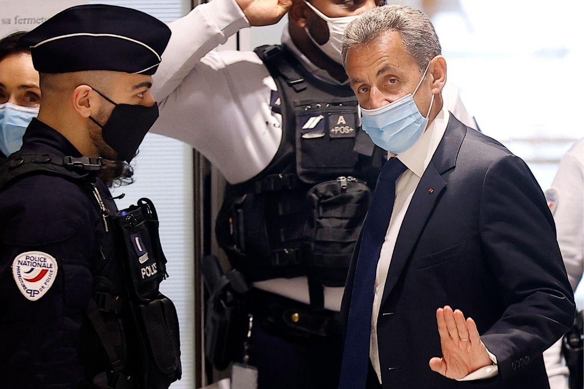 Expresidente francés Nicolas Sarkozy es condenado a tres años de prisión por tráfico de influencias